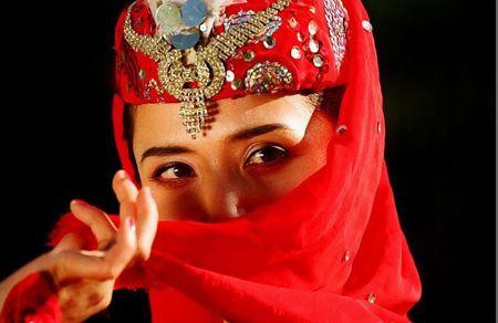 揭開新疆維吾爾族美女的神秘面紗